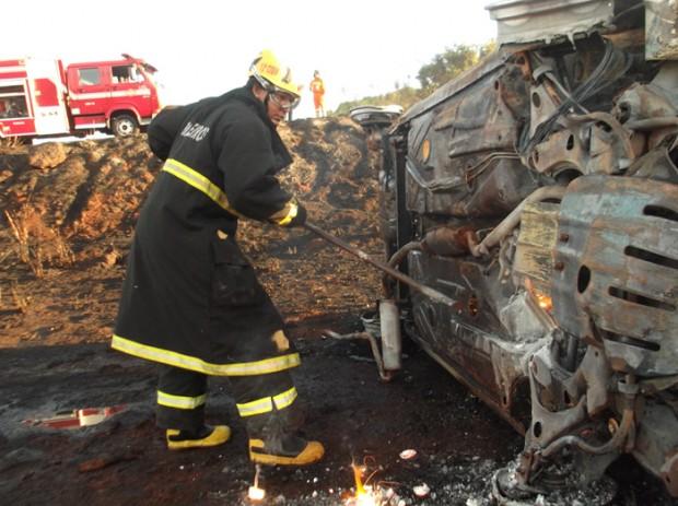 Fotos capotamento-incendio (7)
